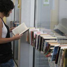 El punt d'intercanvi de llibres de l'Eixample s'obre a tots els gèneres